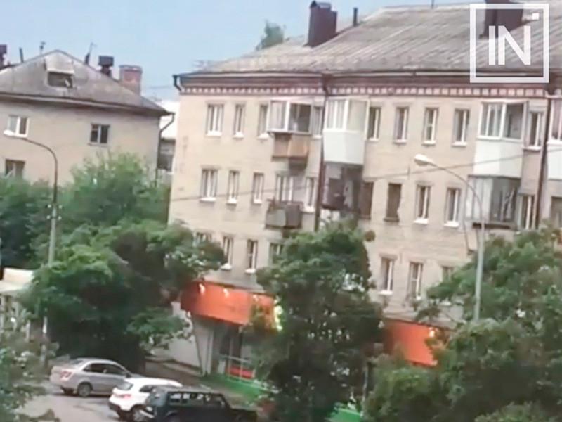 В результате стрельбы в Екатеринбурге пострадали сотрудник Росгвардии и несовершеннолетняя девочка